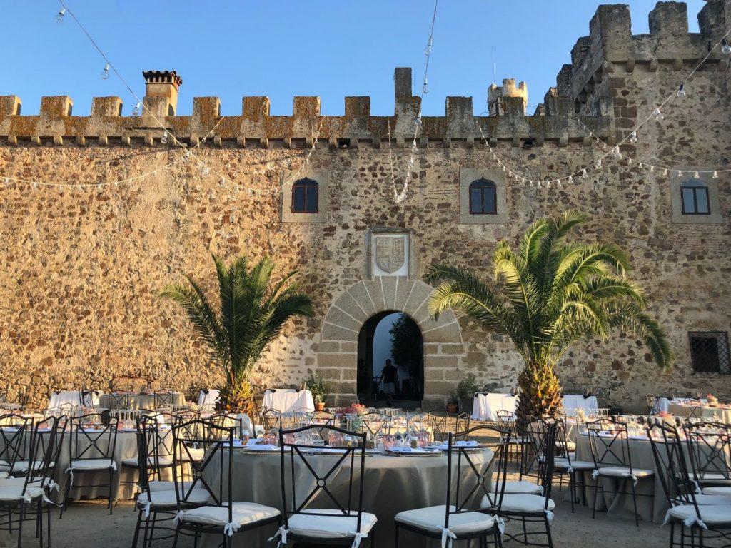 Castillo de las Arguijuelas de Arriba - lugares para celebrar tu boda en Extremadura